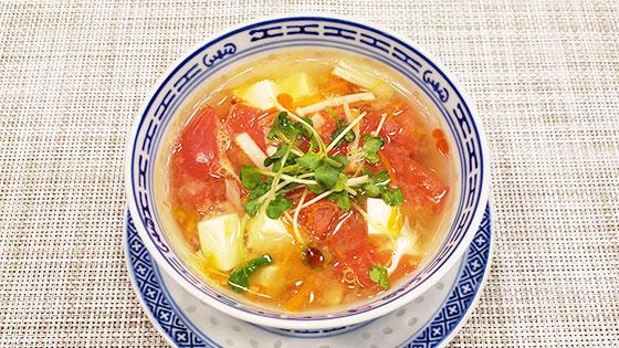 野菜と豆腐の黒酢みそスープ