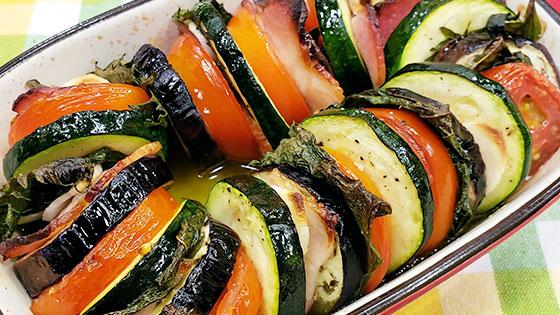 夏野菜とベーコンのオーブン焼き