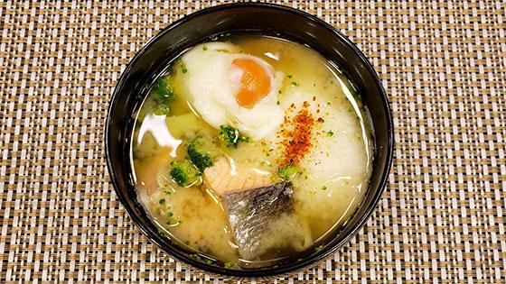 鮭と卵のとろろ汁