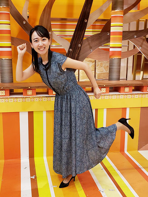 小野 紗由利アナの衣装