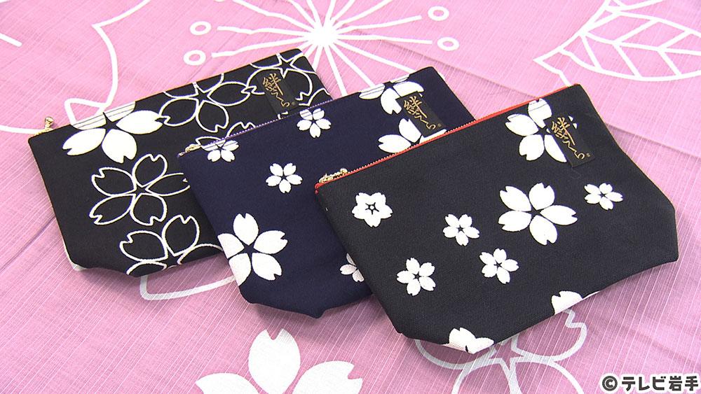 布に花開く桜